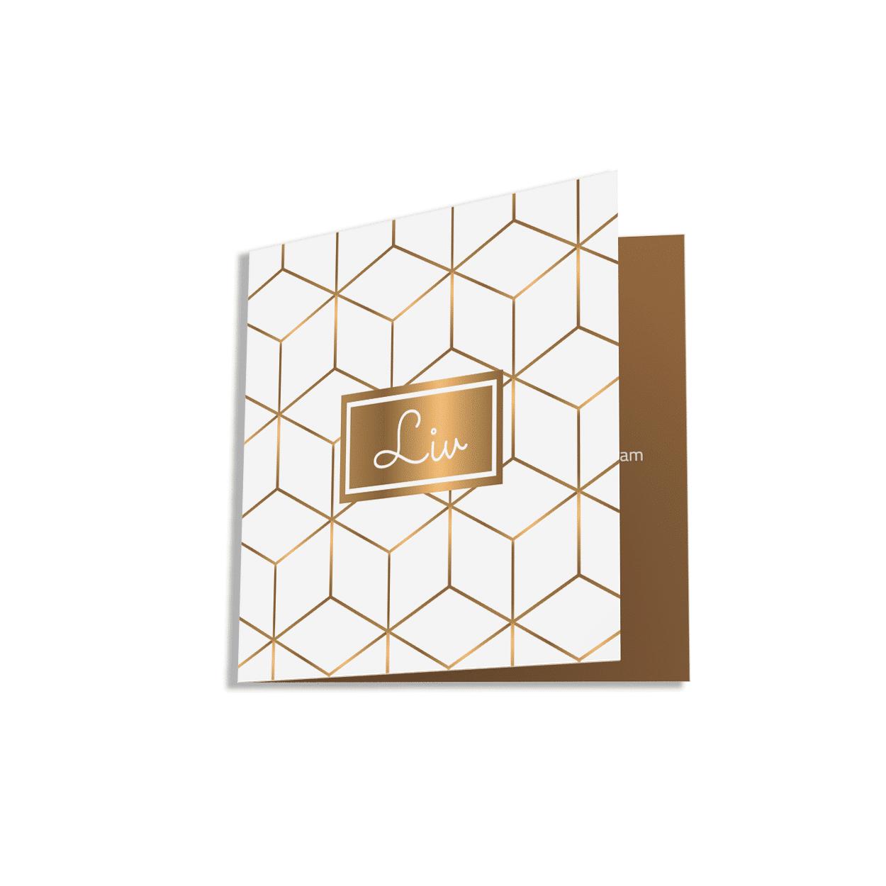 Hippe geboortekaartje met kubus goudlook achtergrond