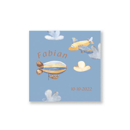 Stoer geboortekaartje vliegtuig en zeppelin voorzijde