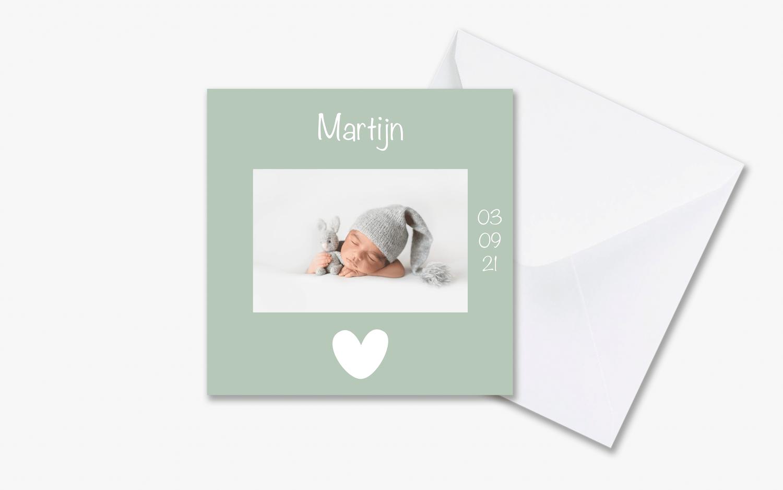 Mintgroen geboortekaartje jongen met envelop