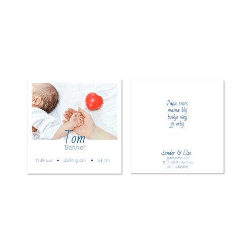 Minimalistisch geboortekaartje met foto voor en achter