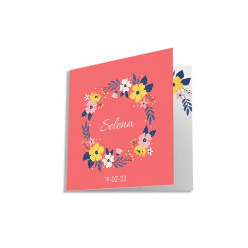 Minimalistisch geboortekaartje bloemenkrans voorzijde