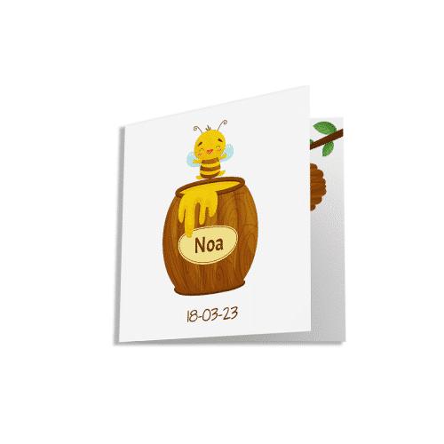 Geboortekaartje met bijtje en honingpot voorzijde